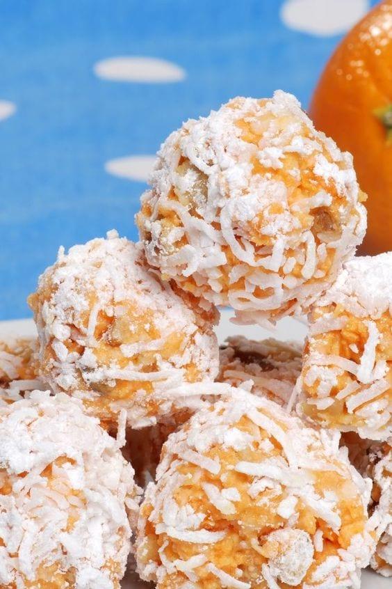 Weight Watchers Coconut Date Balls