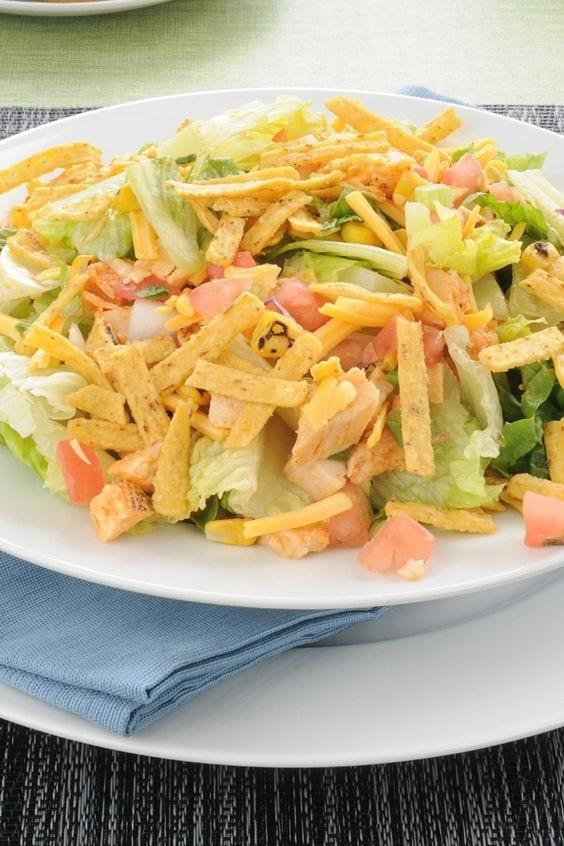 Weight Watchers Chicken Taco Salad in a bowl