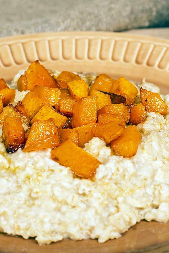 Bowl of Weight Watchers Slow Cooker Pumpkin Oatmeal
